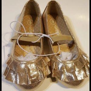Other - Gold Metallic Ruffle Ballerina Shoes sz9